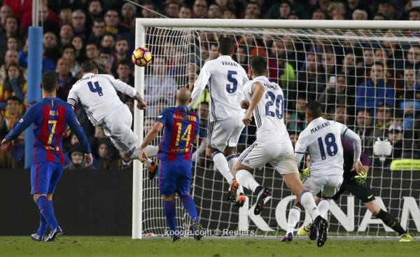 ريال مدريد وبرشلونة يرغبان في تعديل موعد الكلاسيكو