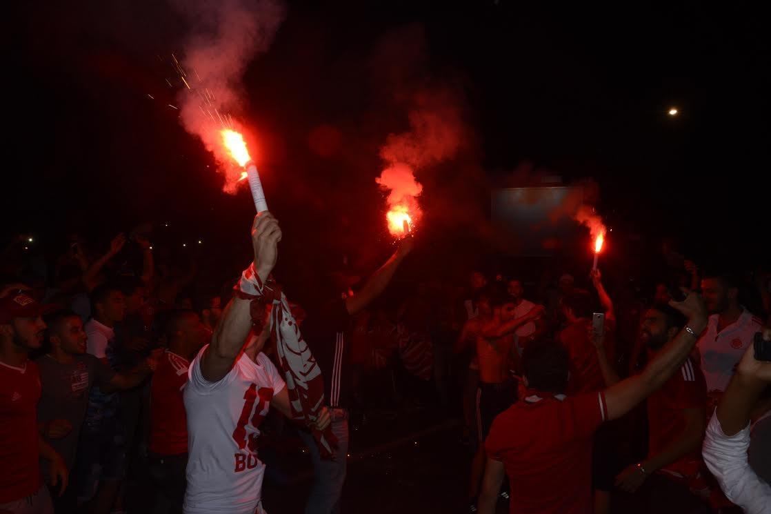 فرحة حمرا تجتاح شوارع كازانيغرا وعالم مارك زوكربيرغ الأزرق (صور)