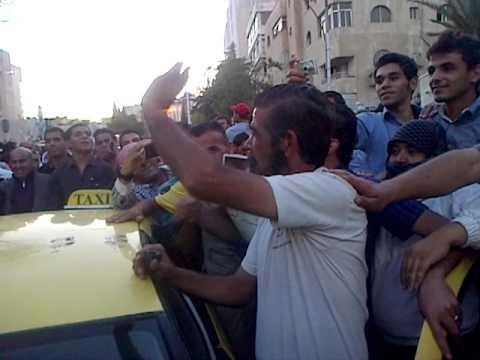 بالفيديو. شبيه صدام حسين يظهر في الاردن وشعارات بالروح بالدم نفديك يا صدام تتعالى